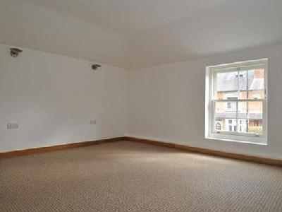 Flat for sale, High Street