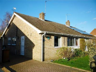 House to let, Digby Drive - Patio