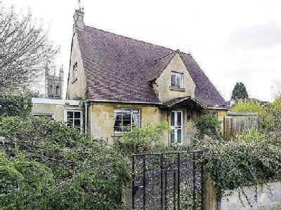 House for sale, Dowding Road - Garden