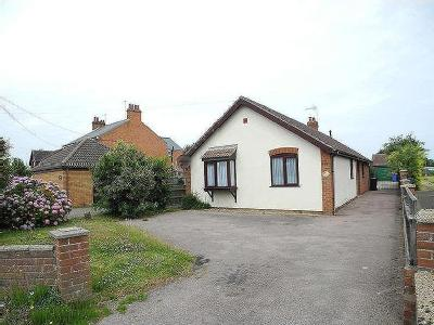 House to let, Field Lane - Detached