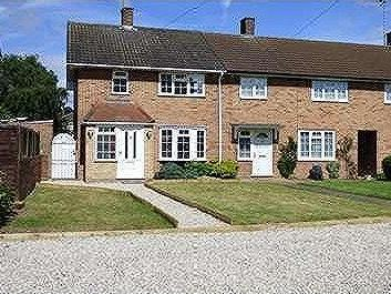 House to let, BRENTWOOD - Garden