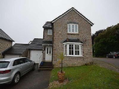 House to let, College Way - Detached