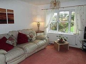 House to let, Mayfield Close - Garden