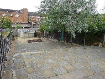 House to rent, Johnsdale - Garden