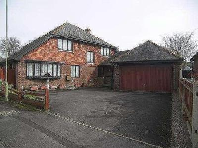 House for sale, Silvertrees - Garden