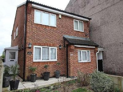 Repton Road Nottingham NG - Listed