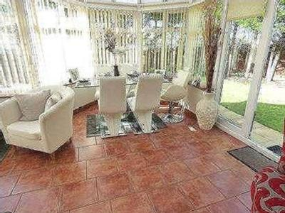 Coleridge Close - En Suite, Patio