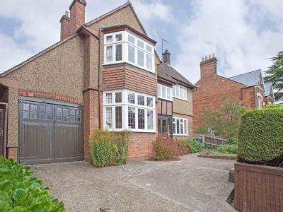 House for sale, Wing Road - Detached