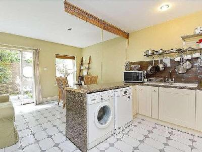 House for sale, Leigh Road - Freehold