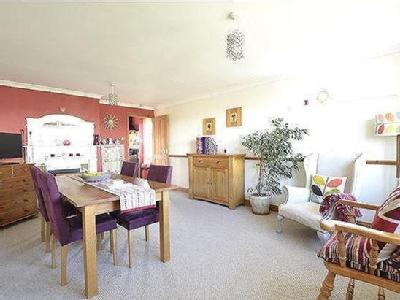 House for sale, Viner Close - Garden