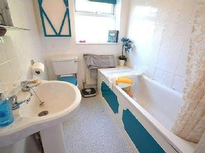 House for sale, London Road - Cottage