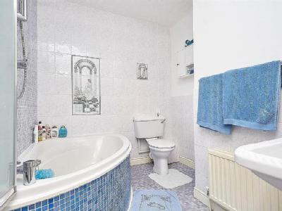 House for sale, Manor Road - Modern