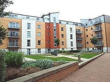Flat to rent, South Woodford - Garden