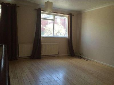 Flat to let, Charlton Lane