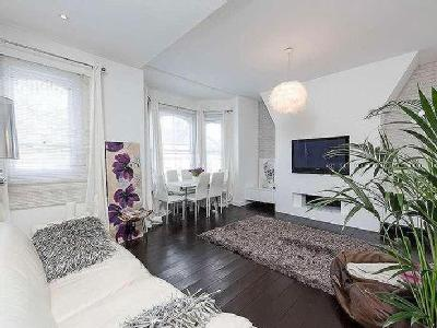 Flat for sale, Mallinson Road