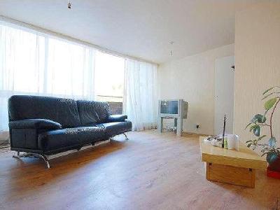 Flat for sale, Hurstway Walk