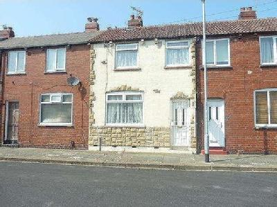 House to let, Cautley Road - Terraced