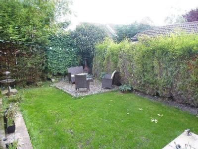 House to let, Burley Close
