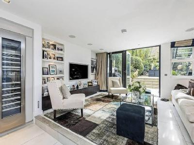 House for sale, Fulham Road - Garden