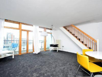 Western Beach Apartments Royal Docks E