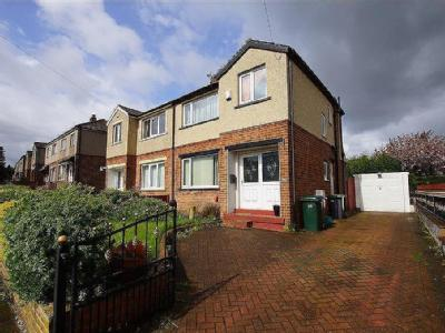 House to let, Wesley Avenue - Garden