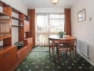 House for sale, Brompton Close