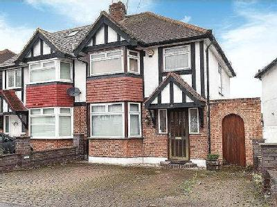 House for sale, Roundways - House