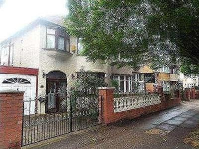 House for sale, Queens Drive - House