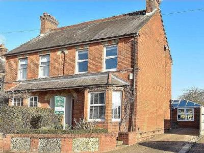 House for sale, Crondall Lane - Patio