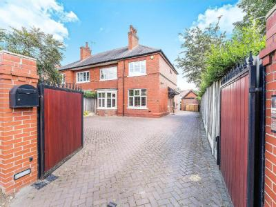 House for sale, Doncaster Road