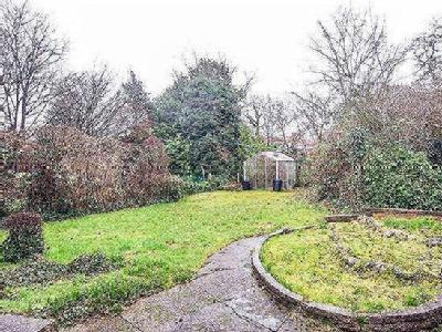 House for sale, Slough Lane - Garden