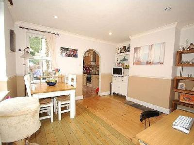 House for sale, Deanway - Fireplace