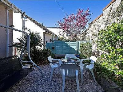 House for sale, Harts Close - Garden