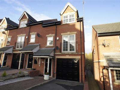 Holywell Heights - Unfurnished, House