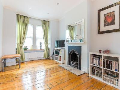 House to rent, Kemble Road - House