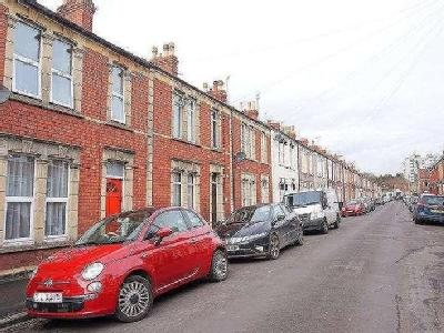 House to let, Priory Road - Garden