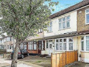 House for sale, Essex Road - Garden