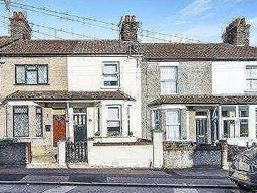 House for sale, Kent Road - Fireplace