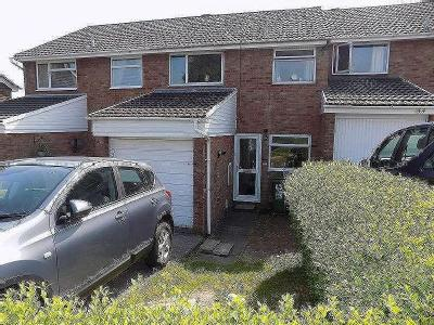 House for sale, Cae Ffynnon
