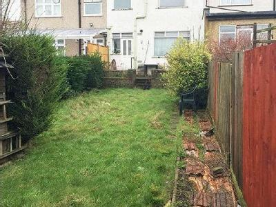 House for sale, Summit Close - Garden