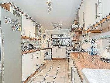 House for sale, Wootton Avenue