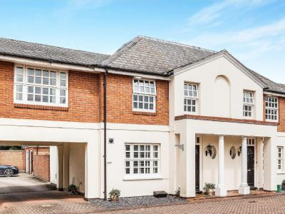 House for sale, Bedford Court - Mews