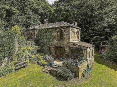 St. Ives Lodge, Keighley Road, Harden, Bingley