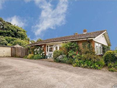 Stisted Way, Egerton, Kent - Bungalow