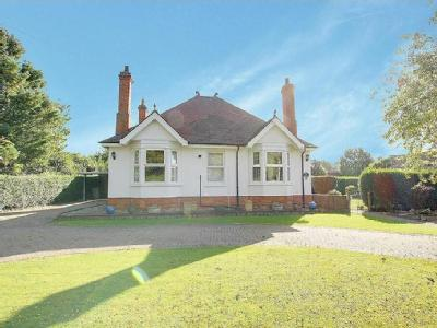 East Street, Alford - Bungalow