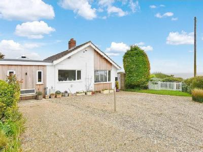 Clifton Way, Overstrand - Bungalow