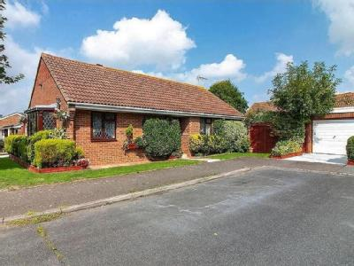 Copperfields, Lydd - Garden, Bungalow