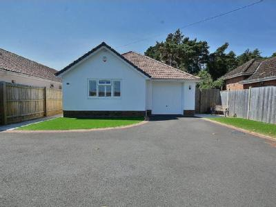 Woodlinken Drive, Verwood - Bungalow
