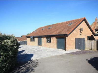 The Willows, Highworth SN6 - Detached