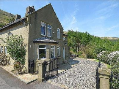 Holmfirth Road, Greenfield, OL3